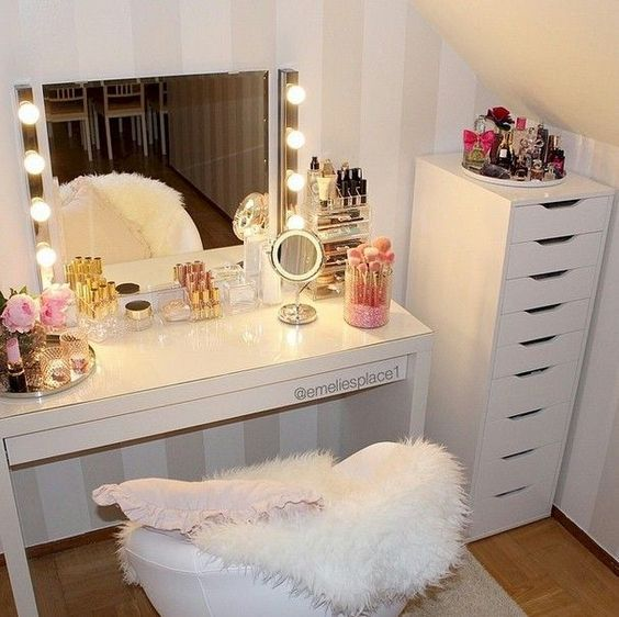 27 DIY Makeup Room Ideas, Organizer, Storage and Decorating